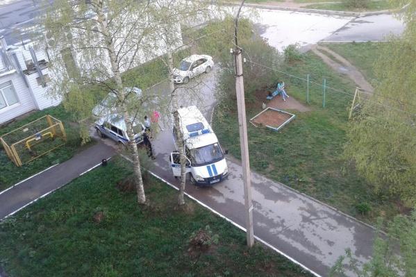 На место выезжали сотрудники полиции