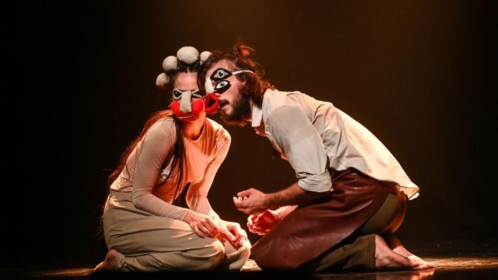 Репетировали через Zoom: фоторепортаж с премьеры «Провинциальных танцев»