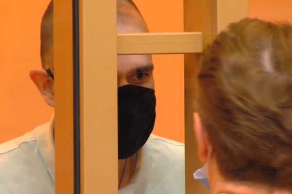 Артёма Мустакова приговорили к 19 годам колонии строгого режима за изнасилование и убийство школьницы