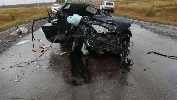 Машину вывернуло наизнанку: четверо человек погибли в ДТП под Самарой