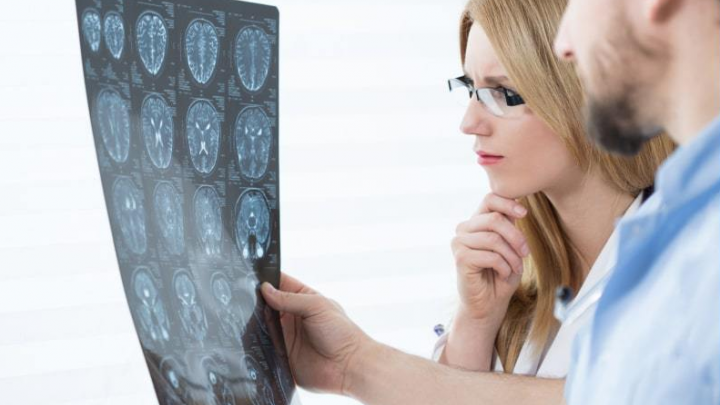 Что у тебя в голове? Где можно пройти полное МРТ-обследование дешевле 10 тысяч