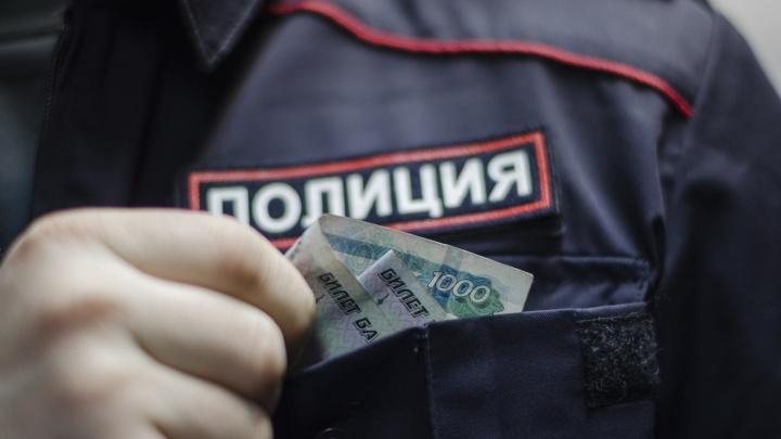 Суд в Архангельске вынес приговор двум бизнесменам за взятки высокопоставленному полицейскому