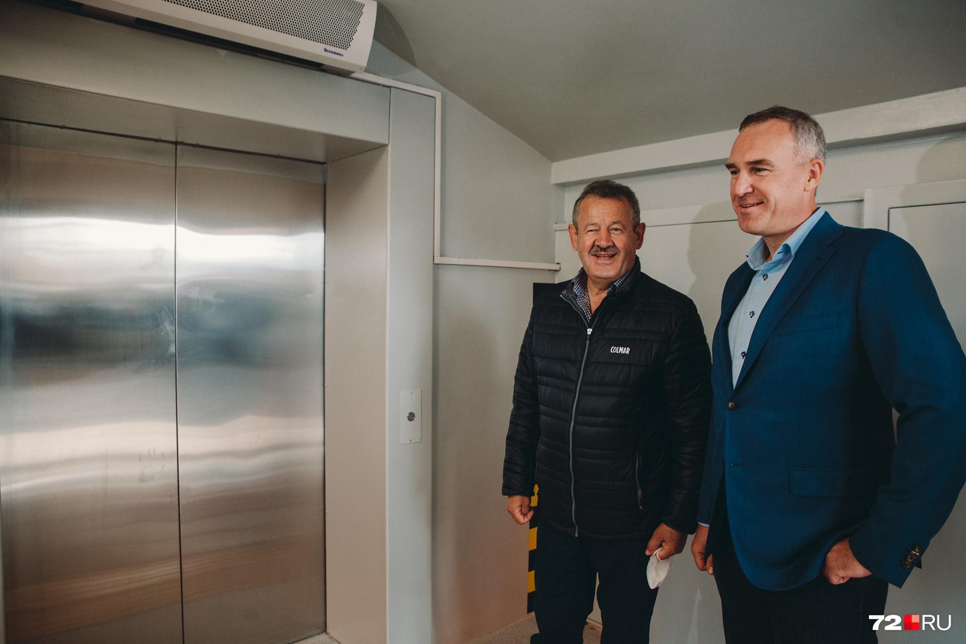 Николай Руссу ещё не знает, что лифт не приедет