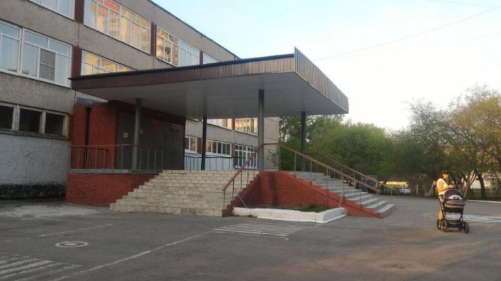 Первые на дистант: учеников школы на Сортировке отправили по домам из-за вспышки коронавируса