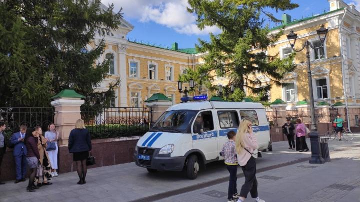 В Нижнем Новгороде снова массово эвакуируют здания судов из-за угрозы минирования