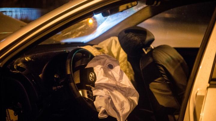 Иномарка врезалась в фуру: в страшной аварии под Новосибирском погибли двое детей и двое взрослых
