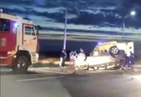 Пострадали взрослые и ребёнок: первые подробности о ДТП на окружной дороге в Ярославле. Видео