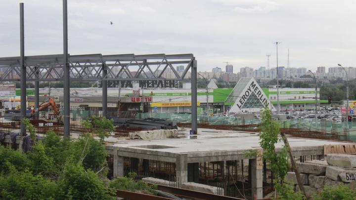 Известный девелопер строит французский гипермаркет дешёвых спорттоваров. Он выбрал для «Декатлона» неожиданное место