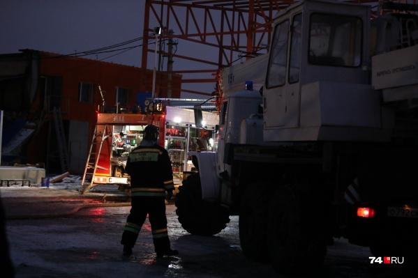 Завалы на месте происшествия на улице Демидовской, 8 спасатели разбирали всю ночь