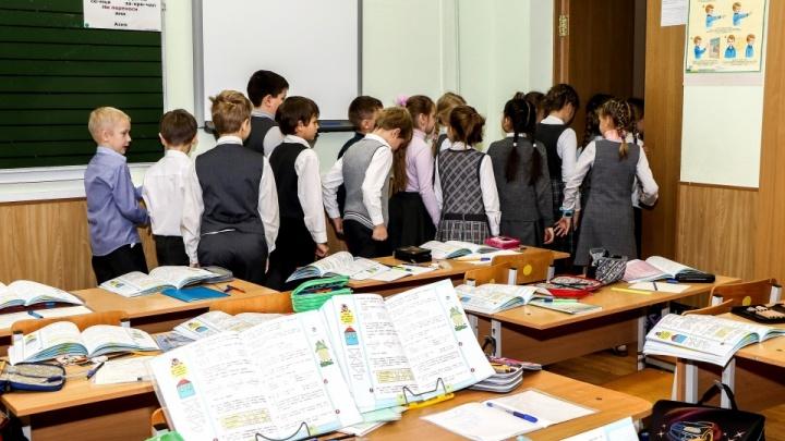 В Нижегородской области 42 класса закрыты на карантин по COVID-19 и 129 — по ОРВИ