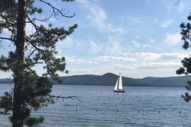 В Минэкологии назвали фейком информацию о снятии статуса памятника природы с озера Тургояк