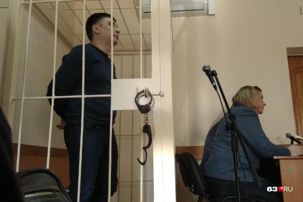 Бывший полицейский не признал вину