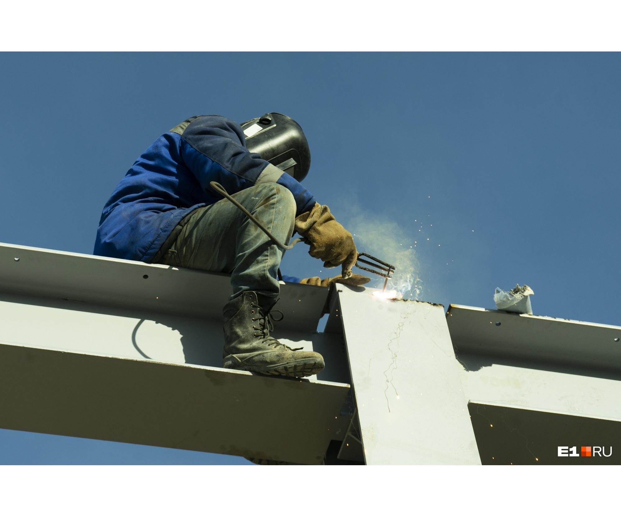 В госпитале должна бытьсистема вентиляции и подачи кислорода, газоотведения, окна, двери, стены
