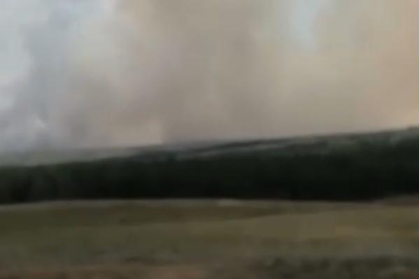 Дым от пожаров заслонил собой небо