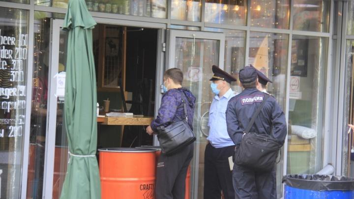 Какие заведения наказали после той самой тусовки в ресторанном дворике? Показываем в одной картинке