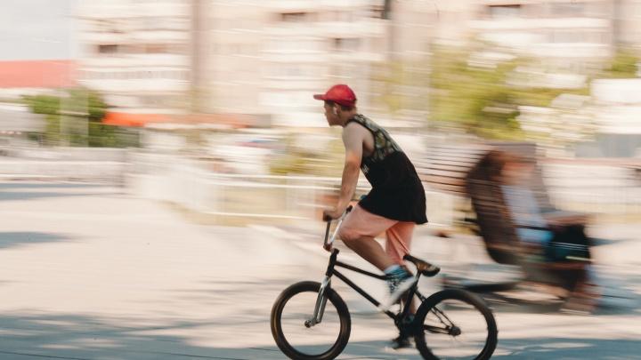 Крути педали: в Тюмени построят новую велодорожку в районе Дома Обороны