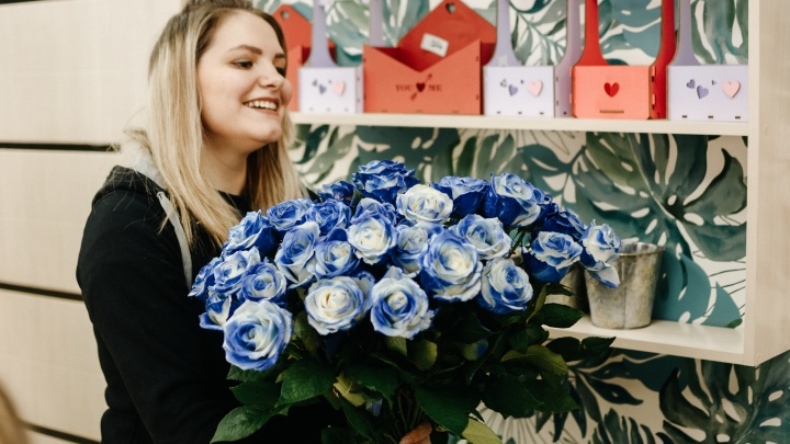 Перед 8 Марта розы от 29 рублей, тюльпаны и ирисы по 49,9 рубля будут продавать круглосуточно