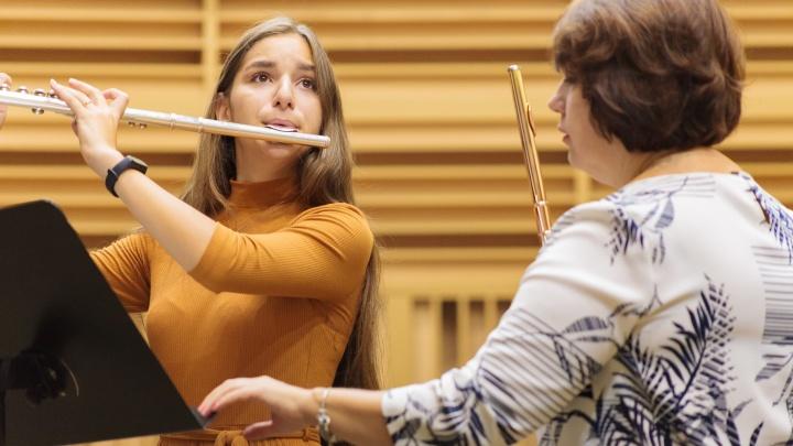 Особенная девочка. История 15-летней флейтистки с неизлечимой болезнью, которая покорила Карнеги-холл