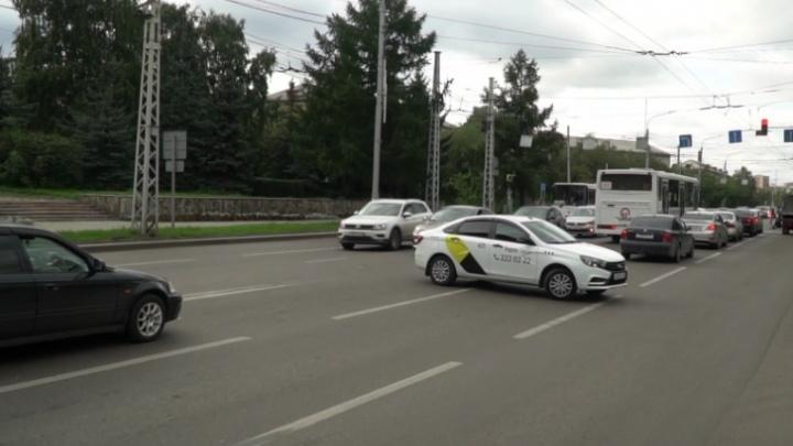 Решено запретить левый поворот с Высотной на Хабаровскую