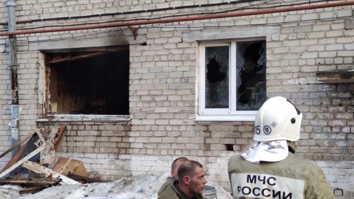 Из пожара на Геологоразведчиков спасли семерых жильцов