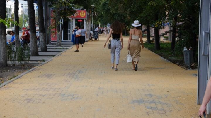 На уборку песка с тротуаров в Челябинске дали два дня