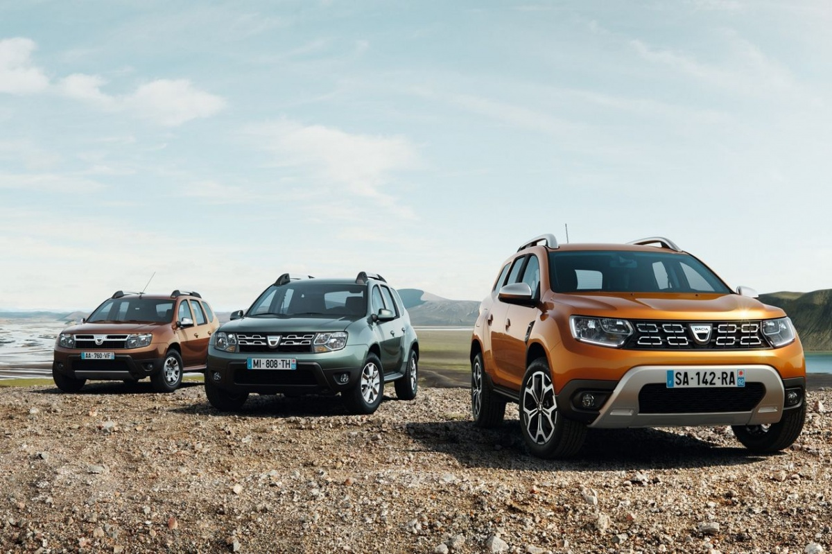 Новые «Дастеры» появились в Европе давненько под маркой Dacia, но теперь добрались и до нас, правда, в измененном виде (фото ниже)