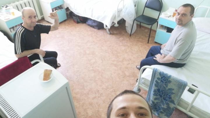 «Аж руки тряслись от злости»: эвакуированные из Якутии вахтовики добились выписки из больницы