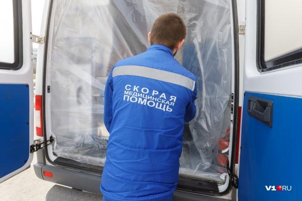 22 апреля пациента с пневмонией госпитализировали на машине скорой помощи
