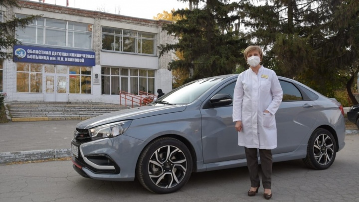 Самарским врачам передадут 130 автомобилей правительства и администраций
