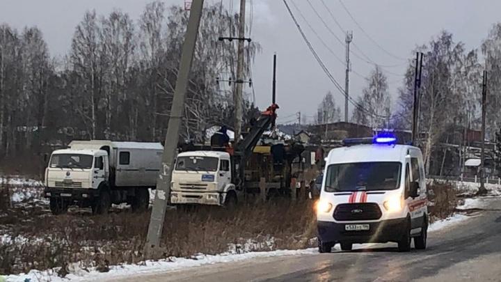 Под Берёзовским энергетики пробили трубу и оставили без газа два поселка