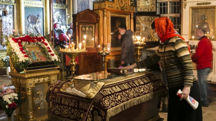 Пасха в масках: онлайн-репортаж о том, как в Архангельске празднуют Христово Воскресение