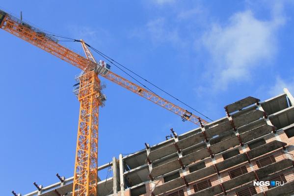 Все компании связаны с недвижимостью: часть строят, часть — поставляют стройматериалы, ещё часть — управляют имуществом