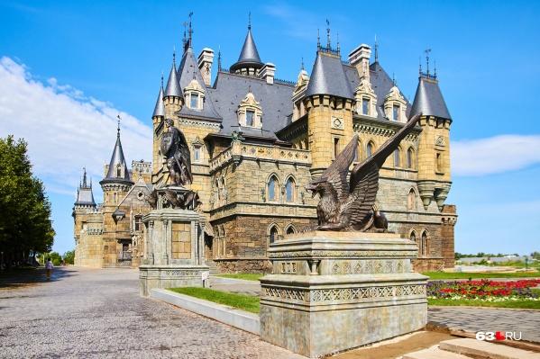 Замок Гарибальди находится в 130 километрах от Самары