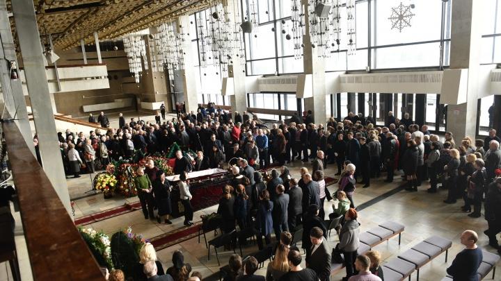 «Произошла катастрофа»: в июле смертность в Свердловской области выросла в 1,5 раза