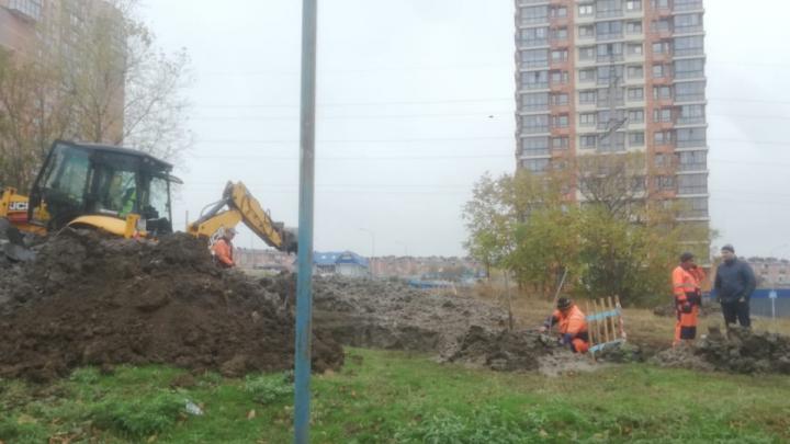 Сотни домов в Ростове остались без воды из-за прорыва трубы