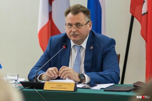 Юрий Уткин в суде оспаривает свою отставку