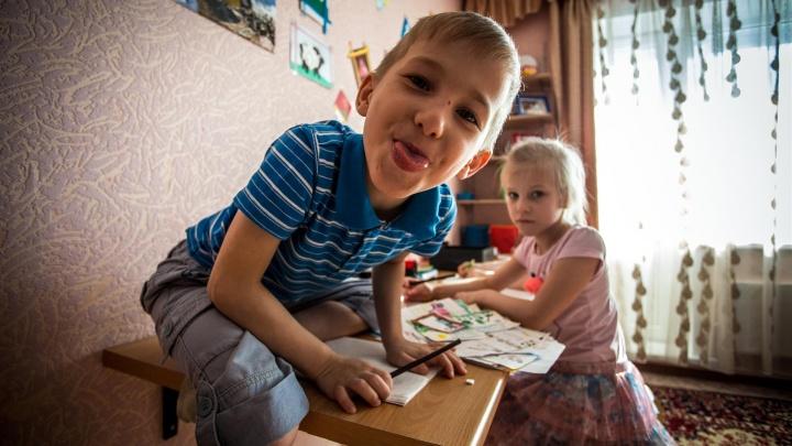 Как получить пособие на дошкольника: 5 карточек для родителей, которые запутались в выплатах