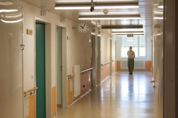 В больницах Челябинска и области дефицит специалистов доходит до 40 процентов