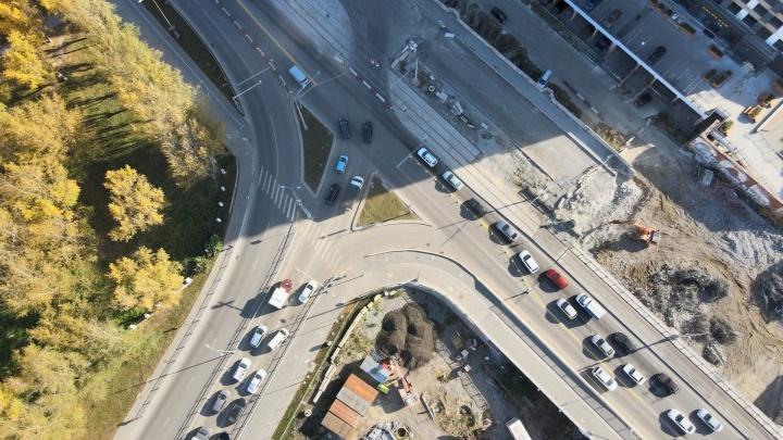 Царь-пробка: летаем над безумными заторами в районе Макаровского моста
