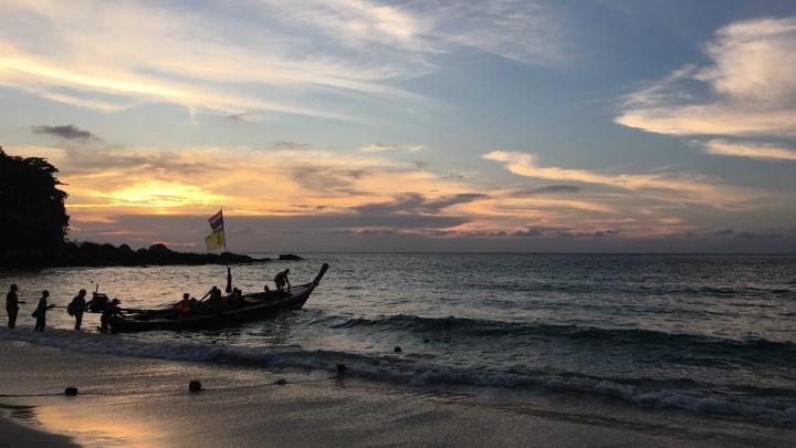 Хотите зимой уехать в лето? Ждут ли туристов Таиланд, Китай, Вьетнам, Индия, Бали — рассказываем обо всех в одной сборке