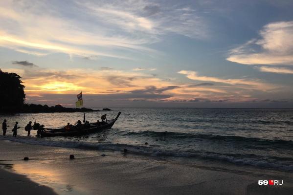 Туристы часто едут в Азию, чтобы вернуть лето