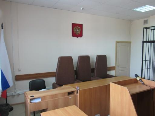 В Зауралье экс-чиновнику, который не оплачивал штраф за преступления, ограничили свободу