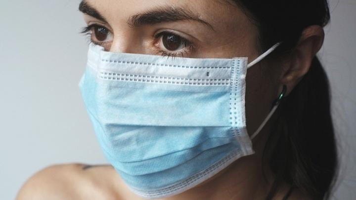 Сбербанк в Ярославле передал защитные маски для волонтеров