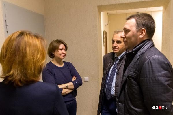 Светлана Кирилина (слева) и Сергей Тюлевин (в центре) надеются на оправдание