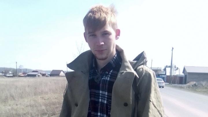 В Ачинске в лесополосе нашли тело молодого парня в летней одежде