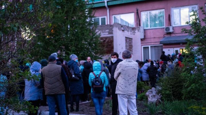«Стояли, как коровы, без масок»: рассказ медика из больницы имени Кабанова, закрытой на карантин