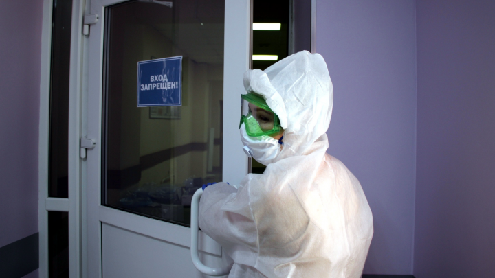 Число умерших омичей с коронавирусом превысило 880 человек