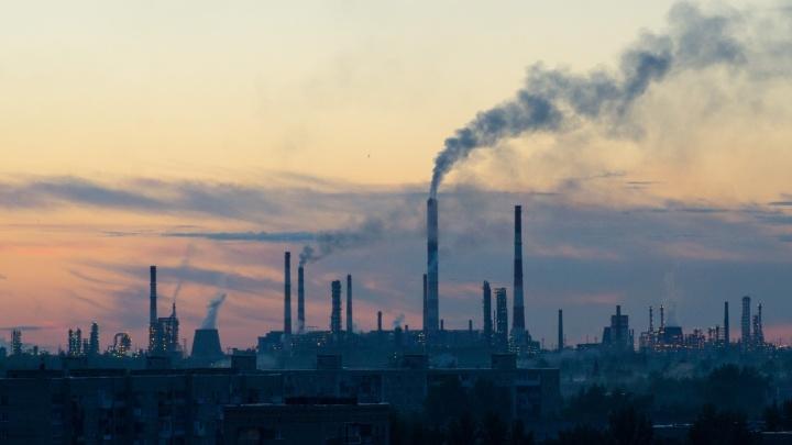 Специалисты зафиксировали в Омске очень высокий уровень загрязнения воздуха