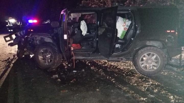 В Башкирии на трассе столкнулись Hummer и ВАЗ-2107, четыре человека попали в больницу