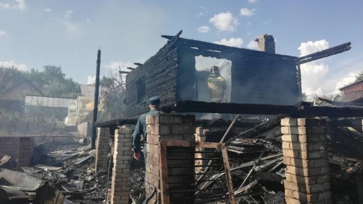 В Зауралье во время пожара в СНТ погиб мужчина